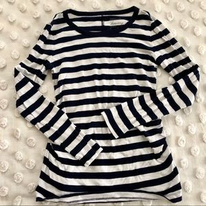 GAP Maternity Long Sleeved Navy and White Tee